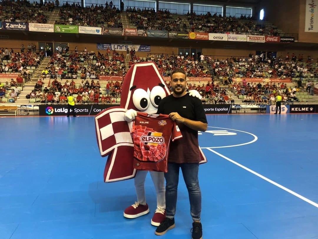 Apuestas Murcia_Mascota Publicitaria Apuestas